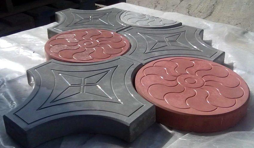Используя пластиковый шаблон можно добиться необычайной четкости форм и рисунка