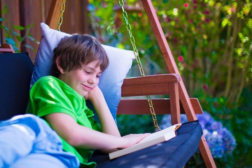 Комфортные качели подойдут для сна на свежем воздухе или чтения