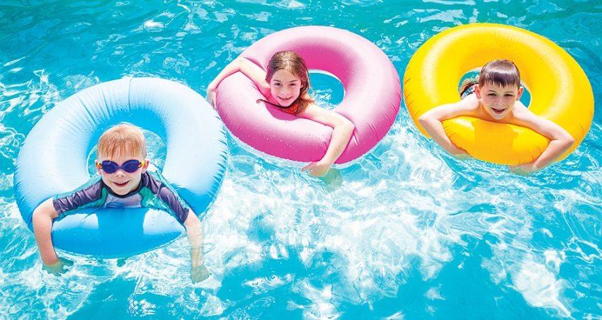 Температура воды в бассейне должна поддерживаться с учетом температуры воздуха