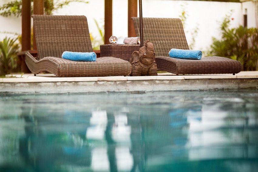 Если вода в бассейне слишком холодная, плавать не особенно приятно, да и риск простудных заболеваний довольно высок