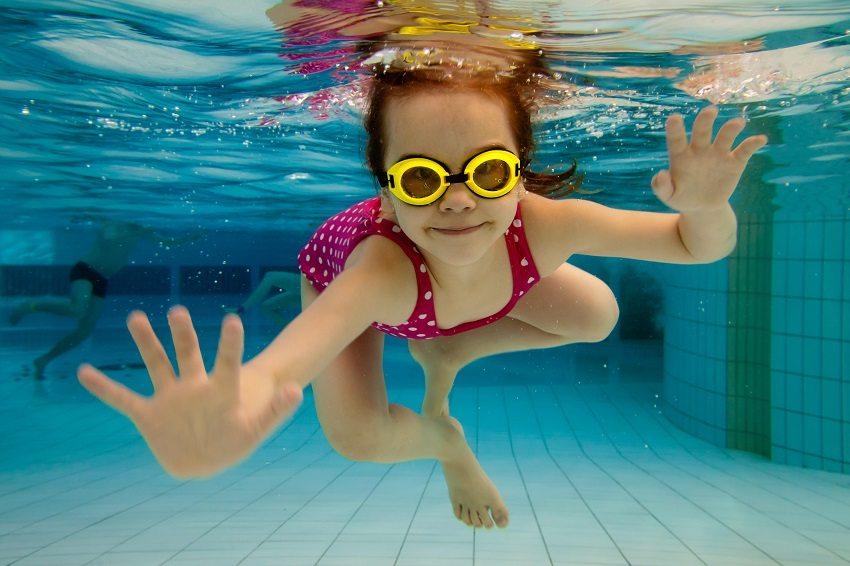 Если в бассейне будут купаться маленькие дети, то температуру воды стоит повысить до 30°C