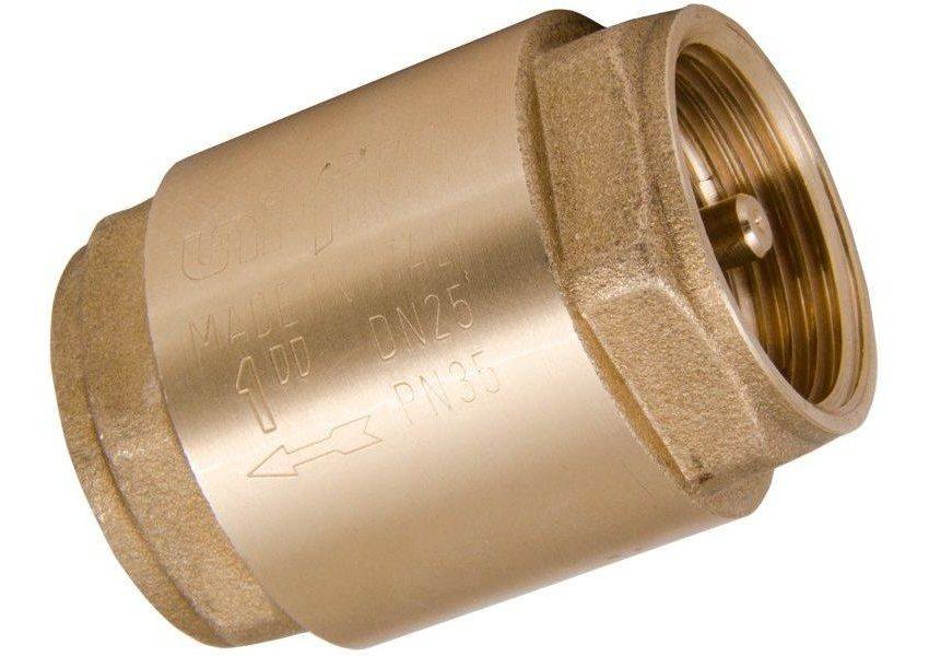 На корпусе клапана имеется стрелка, которая указывает направление движения воды