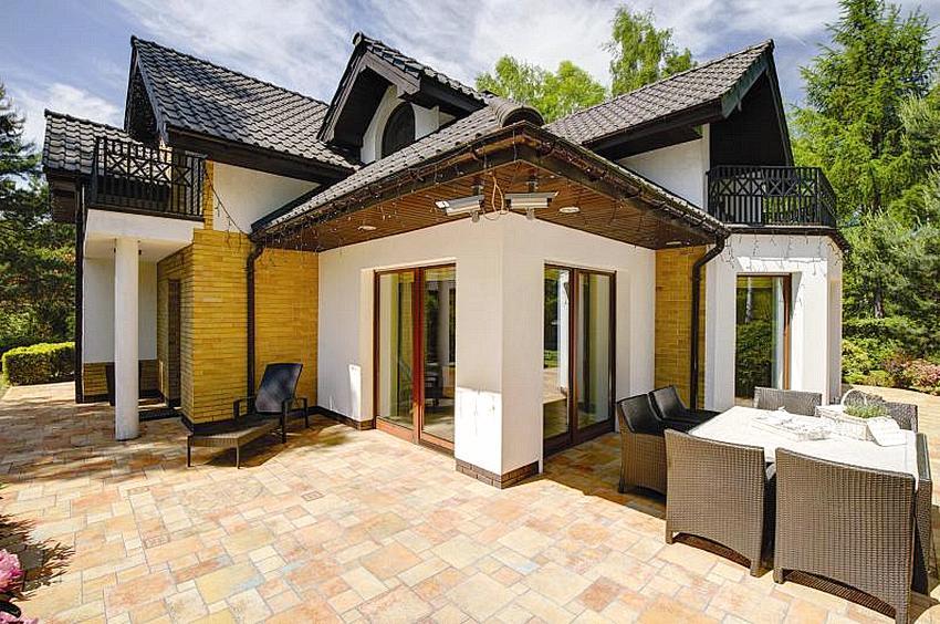 Компактный одноэтажный дом с оригинальным дизайном