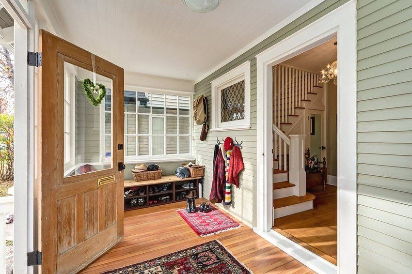 Closed porch in the warm season can become a full-fledged hallway