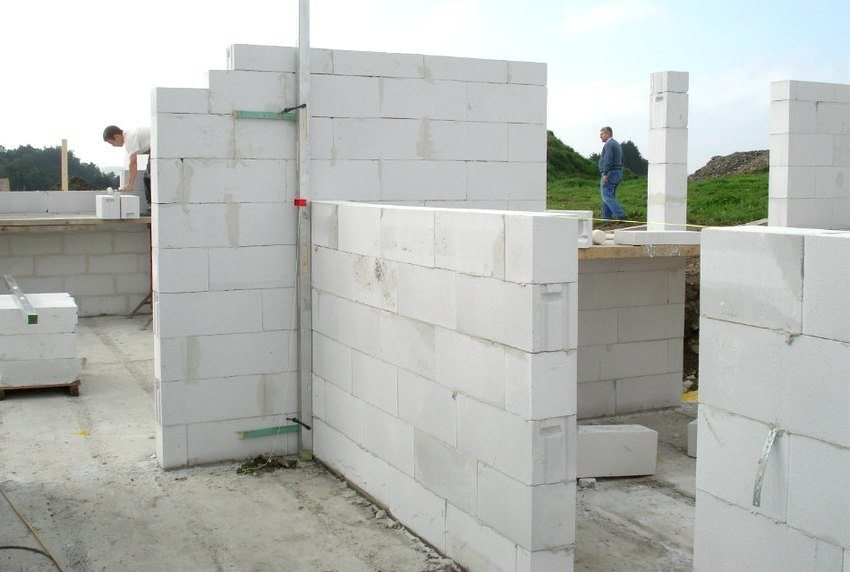 The building, built from foam blocks, has a high level of heat and noise insulation
