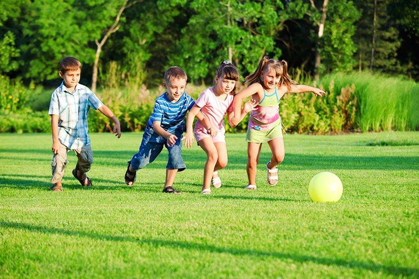 Газон из искусственной травы является оптимальным решением для детского стадиона