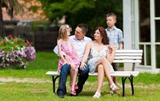 Садовая скамейка со спинкой своими руками: чертежи интересных изделий