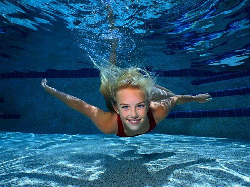Регулярное очищение бассейна позволит избегать полной замены воды достаточно долгое время