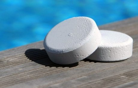 Таблетки для бассейна для дезинфекции воды: правильный уход за водоемом