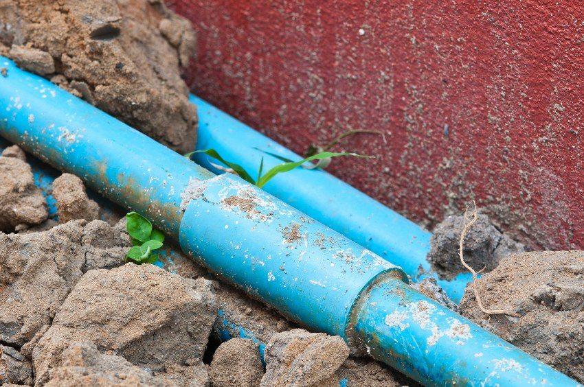 Соединение пластиковых труб с использованием муфты