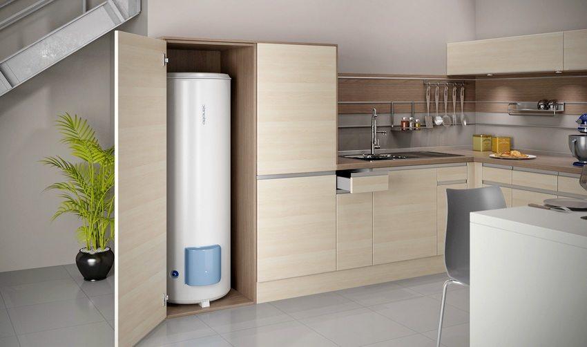 Пример установки напольного водонагревателя в квартире