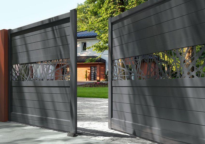 Двустворчатые распашные ворота – наиболее распространенный вариант подобных конструкций