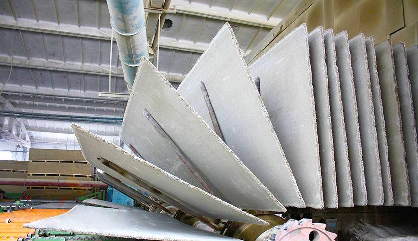 Стандартный лист размером 3200 на 1250 мм может выпускаться с различной толщиной