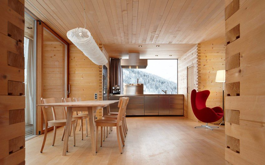 Современный интерьер дома из профилированного бруса