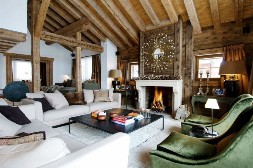 При обустройстве камина в деревянном доме необходимо уделить особое внимание пожарной безопасности