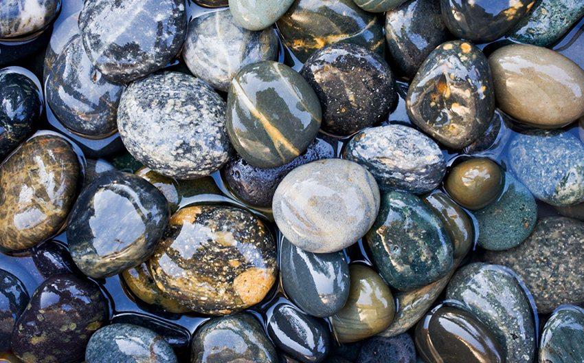 Речной камень более устойчив к высокой температуре, чем морской
