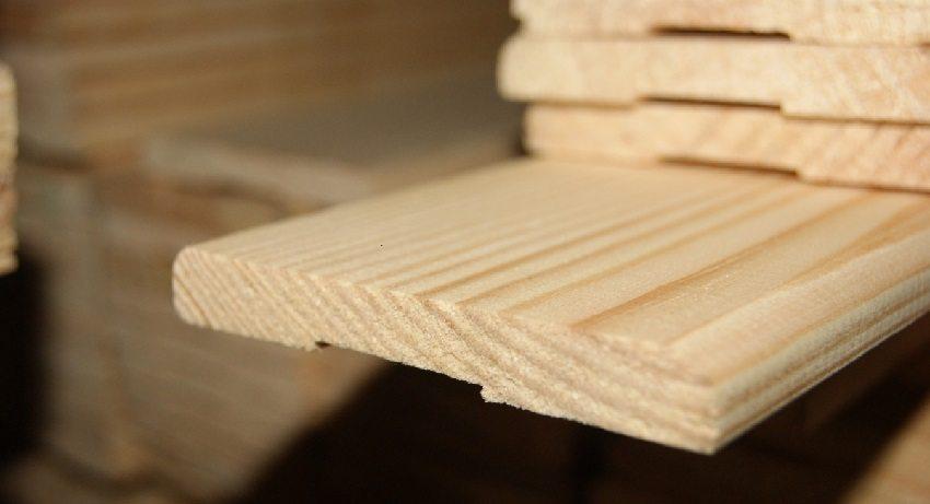 Самым распространенным материалом для изготовления наличников является дерево