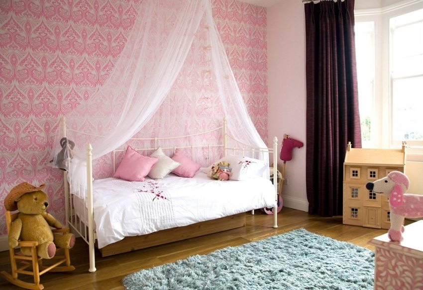 Для оформления комнаты малышей лучше выбирать мягкие нежные оттенки