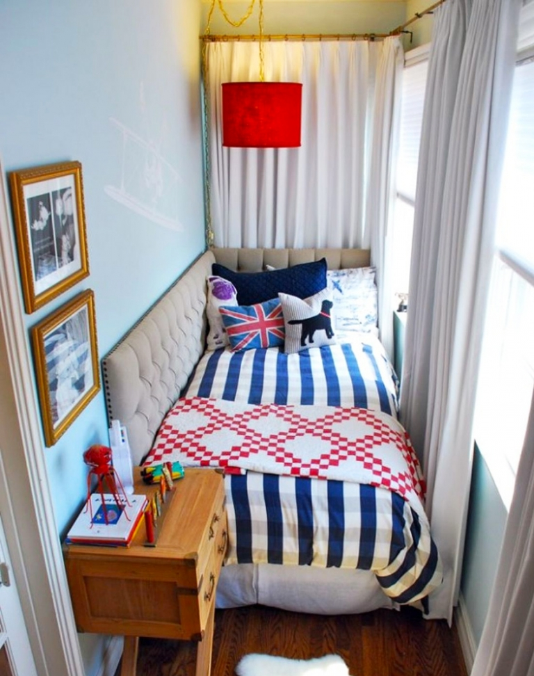 Дизайн спальни переделали лоджию