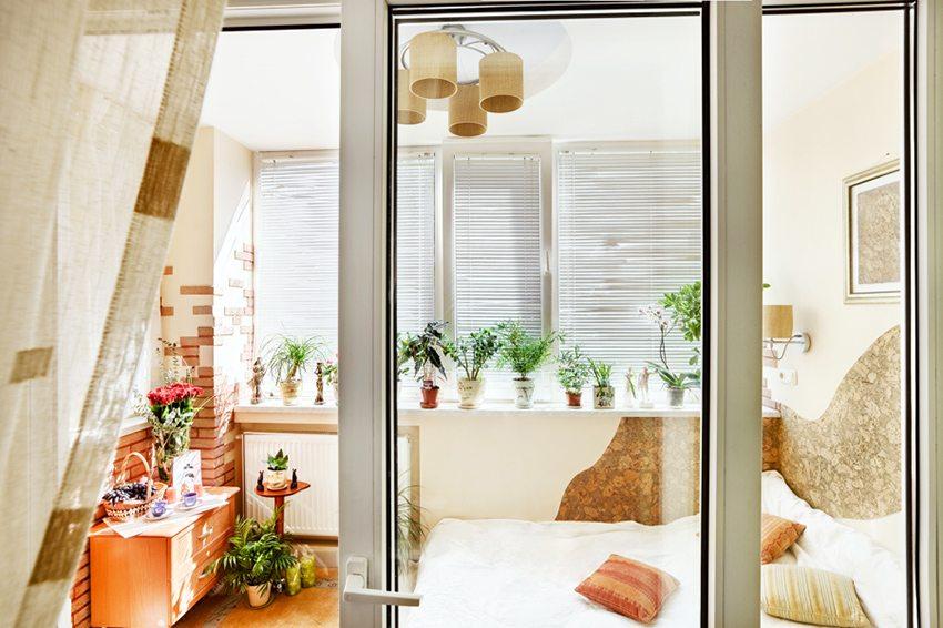 Уютное место для сна в бежевых тонах