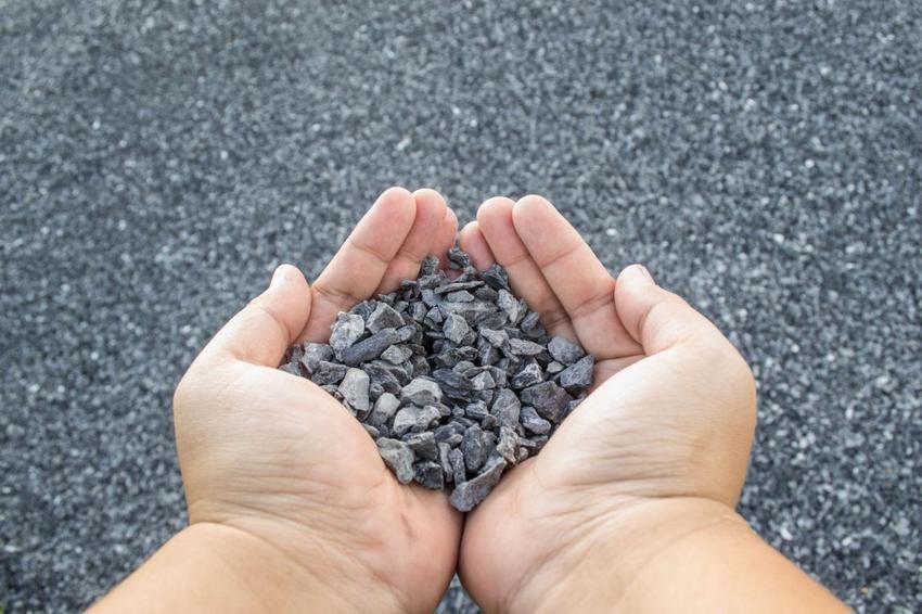 Щебень для строительства отмостки должен быть чистым и без лишних примесей