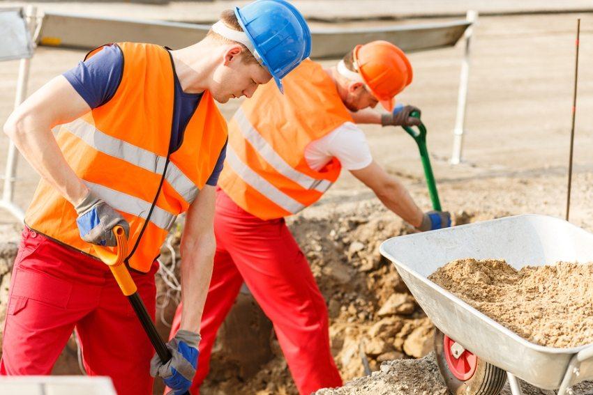 Песок применяется для осуществления широкого спектра строительных работ