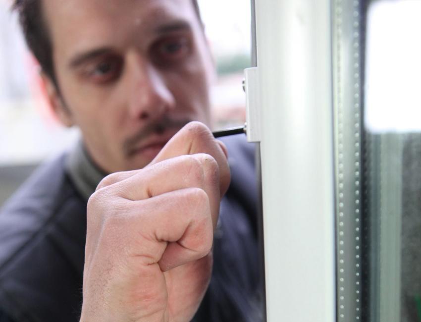 Регулировка эксцентриков металлопластикового окна