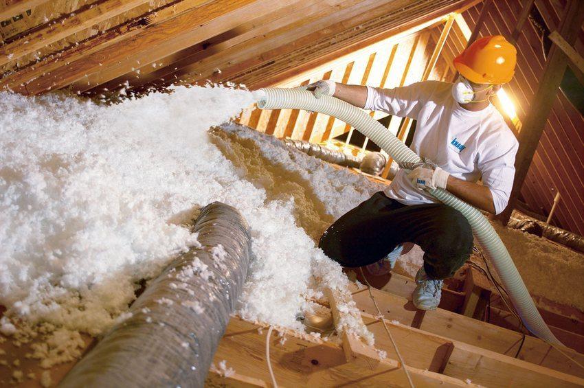 Метод напыления позволяет получить бесшовное и полностью герметичное покрытие, не пропускающее ни жару, ни холод