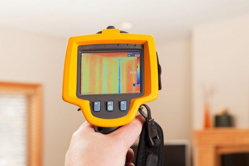 Тепловизор поможет в выявлении проблемных зон в помещении, через которые происходят тепловые потери