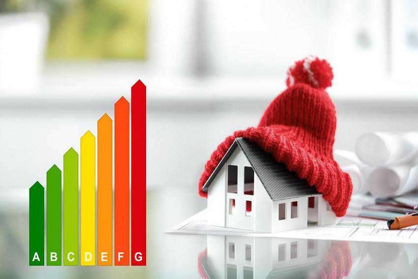 Теплоизоляция потолка в доме с холодной крышей позволит существенно снизить затраты на отопление