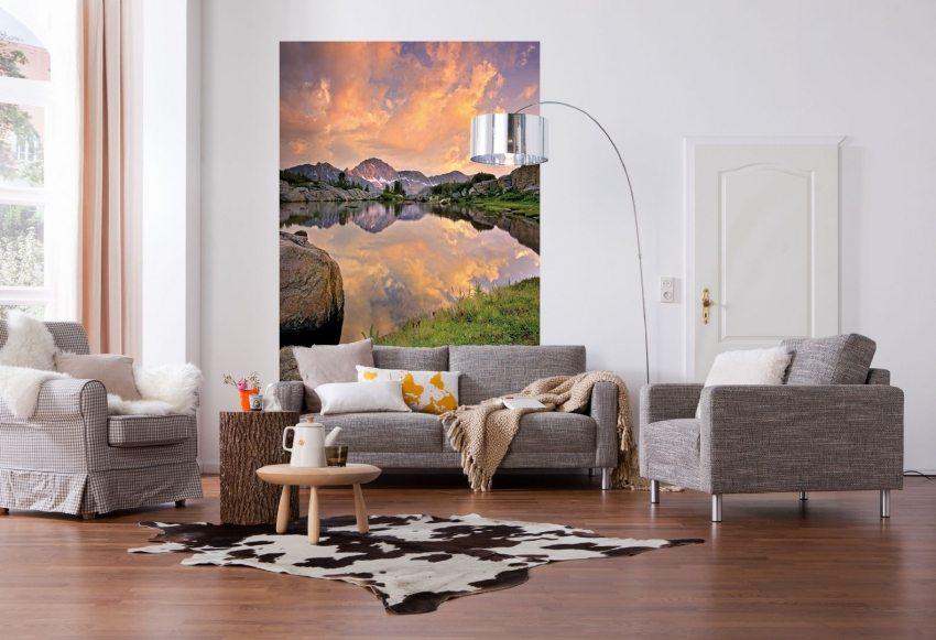 Одиночные фотообои в интерьере малогабаритной квартиры