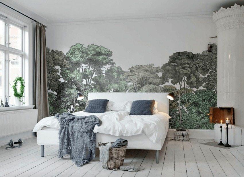 Красивый настенный пейзаж в оформлении спальни