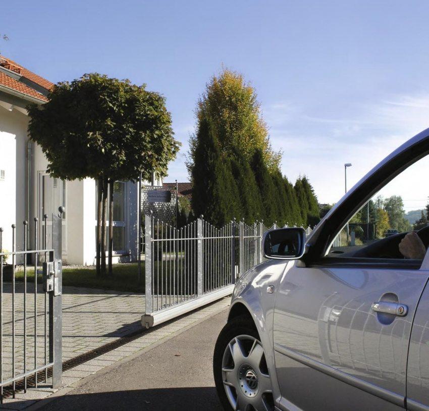 Откатные конструкции - практичный, надежный, удобный и актуальный вид уличных ворот