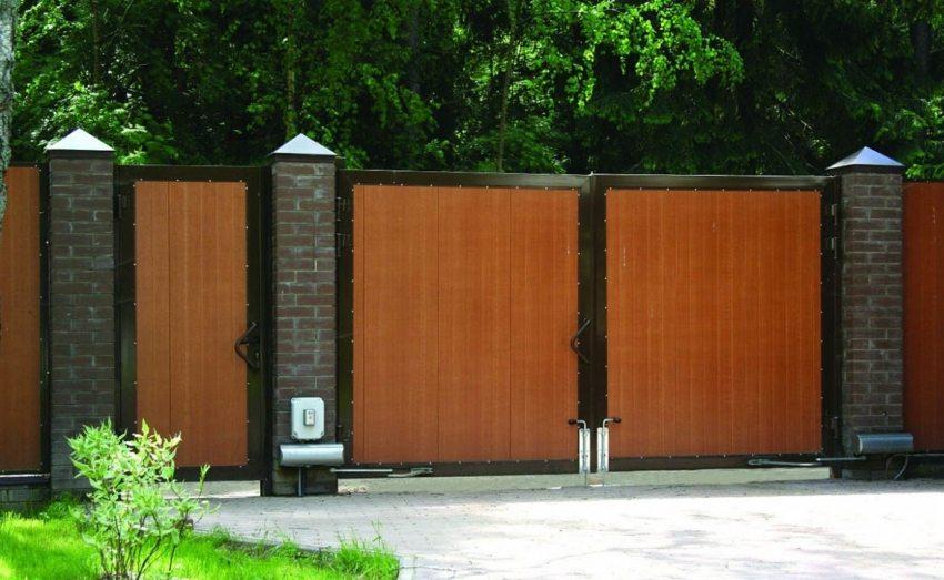 Одним из наиболее универсальных типов являются распашные ворота