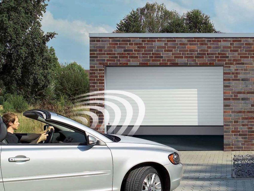 Автоматические ворота для гаража безопасны и просты в управлении