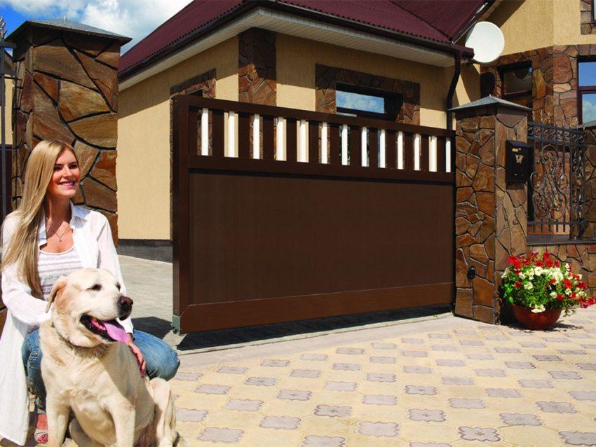 Оптимальными для придомовых территорий являются консольные ворота