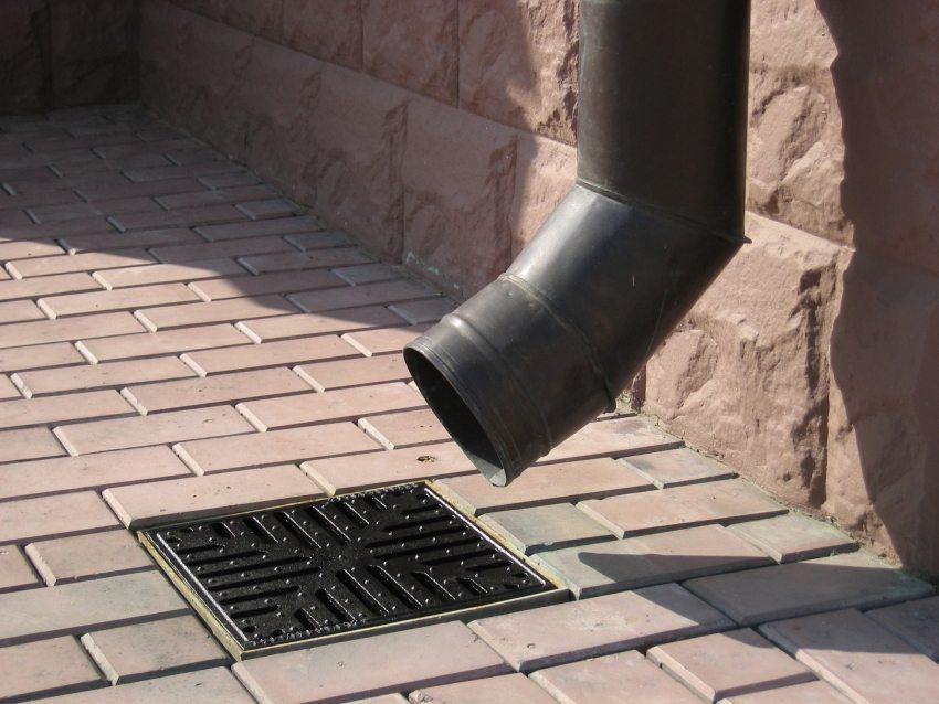 Ливневая канализация способна эффективно предупредить негативное воздействие переизбытка атмосферных осадков