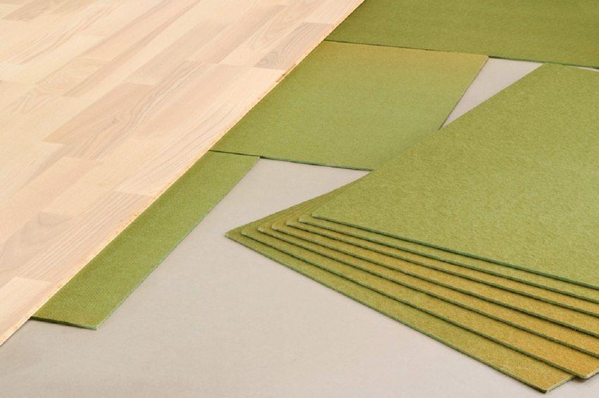 Главные качества подложки под ламинат из прессованной хвои - безопасность и экологичность