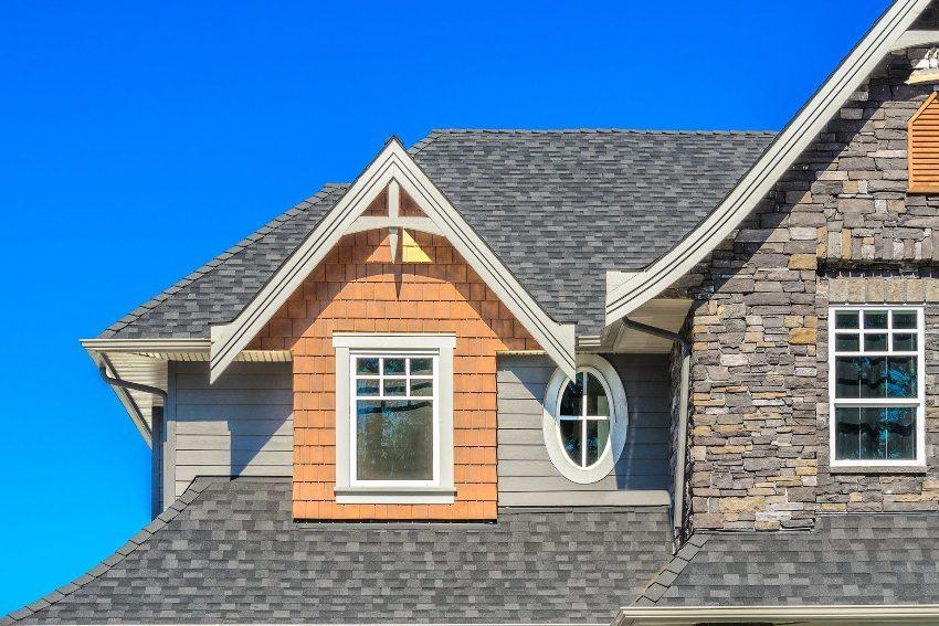Гибкая кровля отлично подходит для монтажа на сложных конструкциях крыш