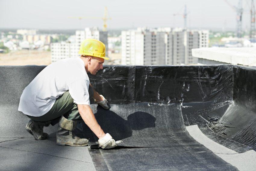 Рубероид часто используется как покрытие для плоских крыш