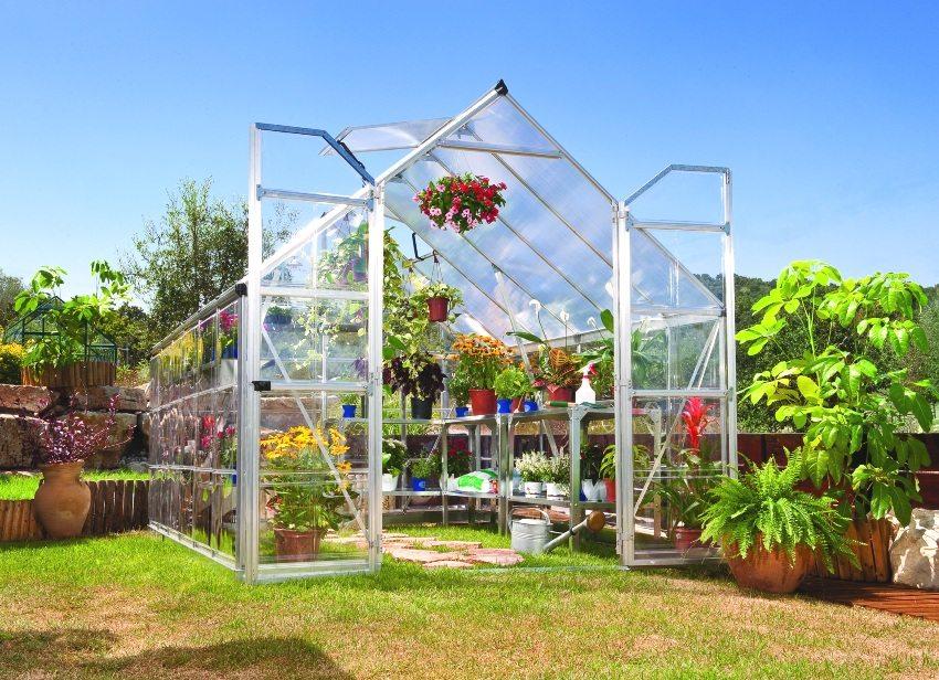 Парник из профильной трубы для выращивания различных растений