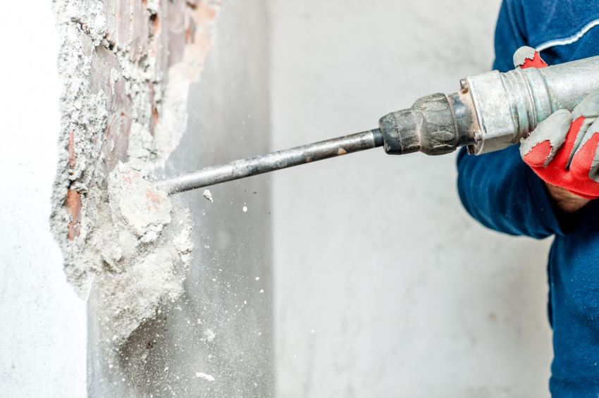 Жилищным Кодексом запрещен демонтаж капитальных несущих стен