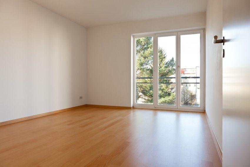 Площадь жилой комнаты после перепланировки должна составлять не менее 8 квадратных метров
