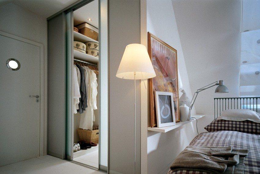 Откатные (кассетные) двери в открытом положении находятся в специальных стеновых нишах