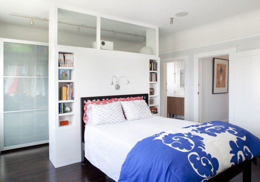 Удачное размещение гардеробной комнаты в спальне