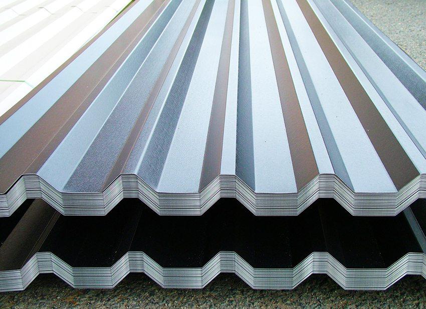 Стропильная система полувальмовой крыши: особенности конструкции и монтажа