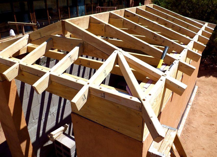 Конструкция стропил вальмовой крыши