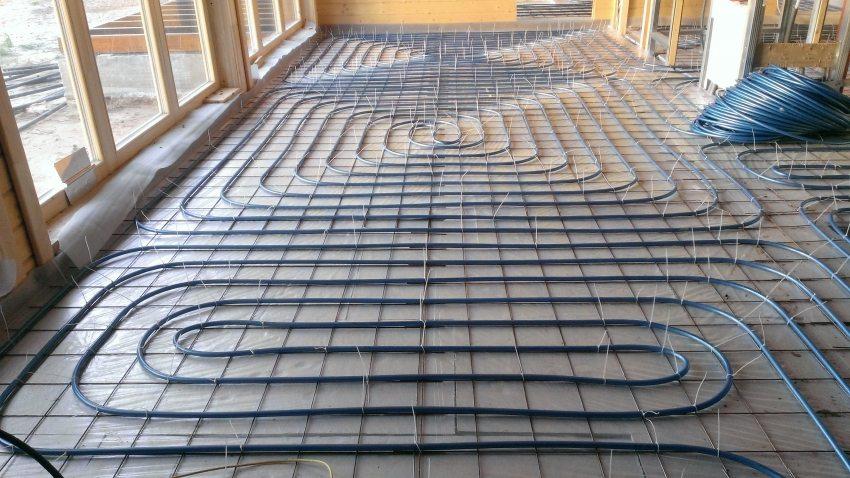 Монтаж системы водяного теплого пола в деревянном доме
