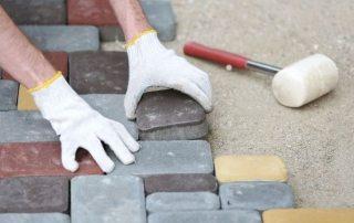 Укладка тротуарной плитки на бетонное основание: теория и практические советы
