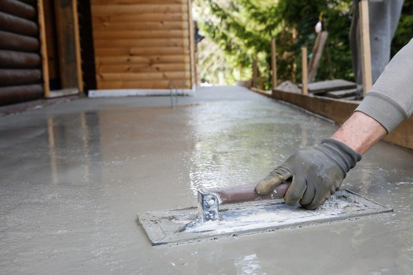 Создание бетонной отмостки вокруг частного дома